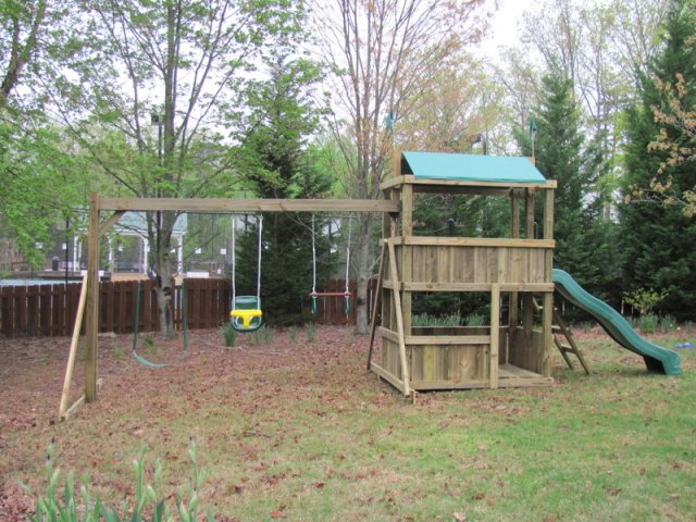 4x6 model as shown $1250 including Wooden Ladder, Soft Grip Swing, Childseat, Trapeze Bar with Rings, and Periscope