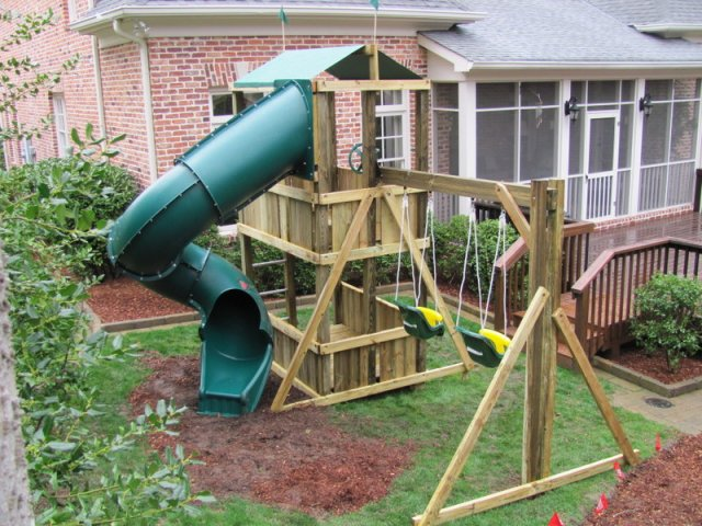 4x6 model as shown $2200 including Enclosed Turbo Slide, 8' Swing Beam and Childseats